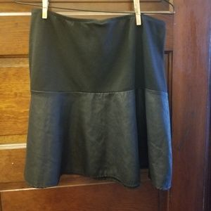 Xhilaration Size L Juniors Black Skirt